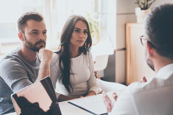 listening-to-financial-advisor-E3PNK7D