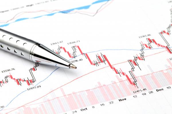 stock-exchange-graph-HA27R3T